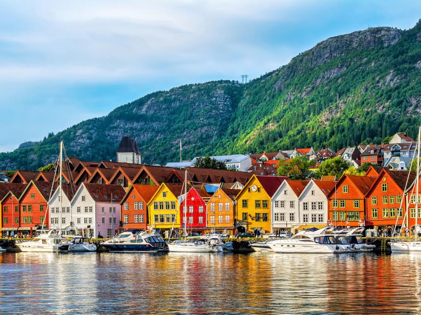 Cuales son los cinco mejores países del mundo para vivir con tranquilidad ?