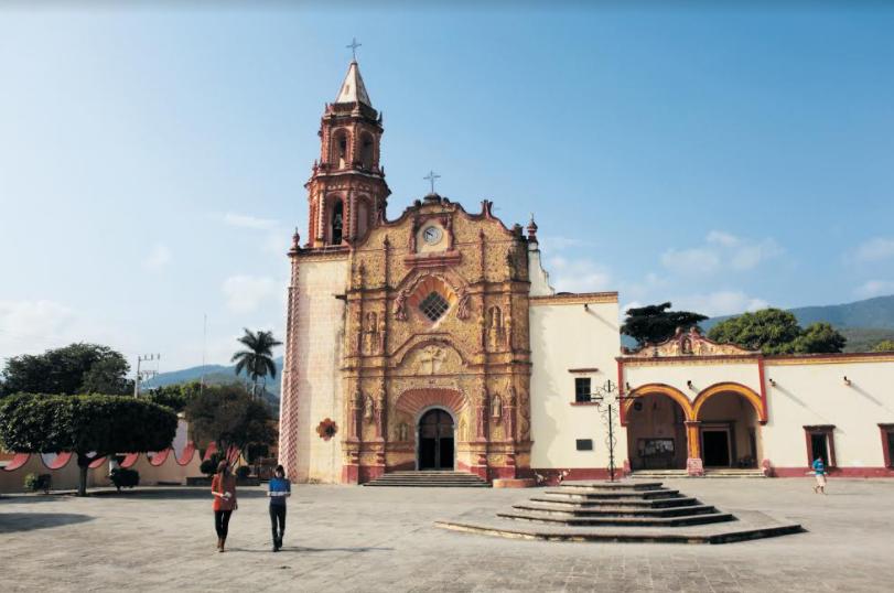 SECTUR Querétaro promueve Pueblo Mágico de Jalpan de la mano de TAR Aerolíneas