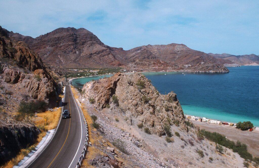 ¿Cuáles son las mejores rutas para atravesar por México a Centroamérica?